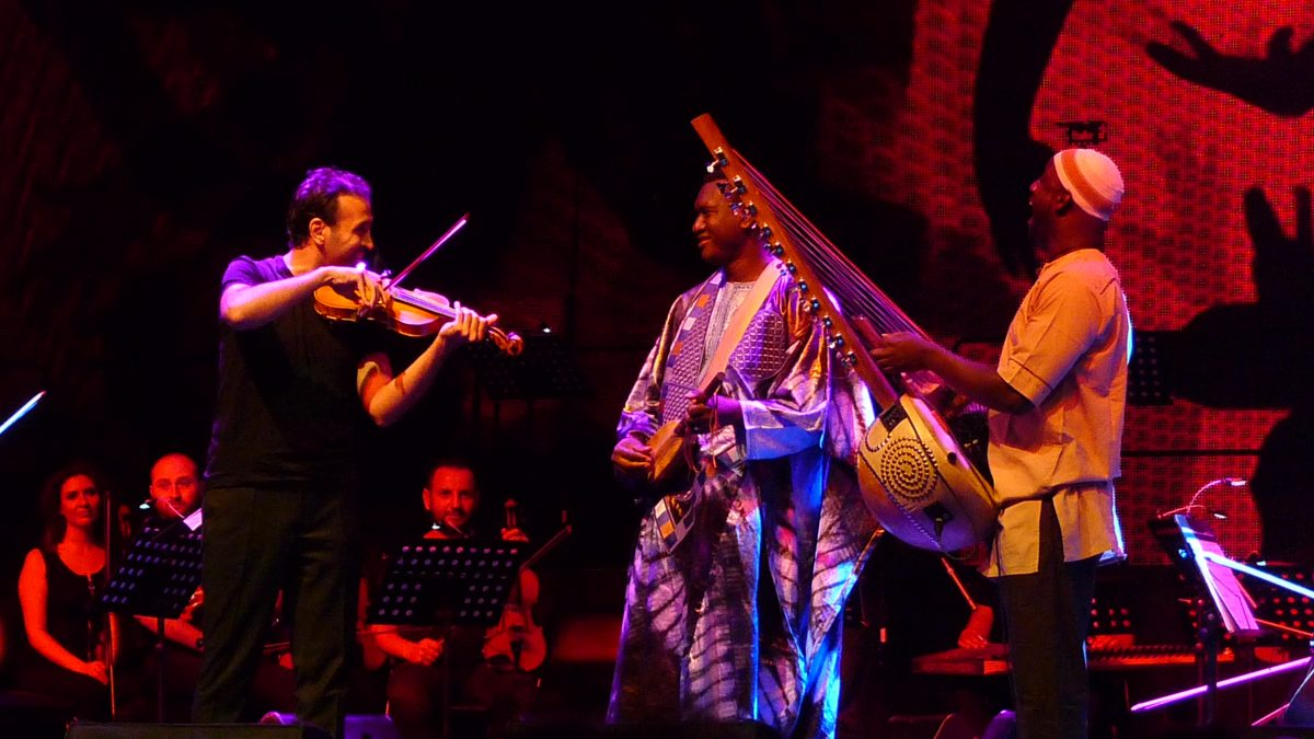 """Istanbul Jazz Festival opened with an """"Eastern Carnaval"""""""