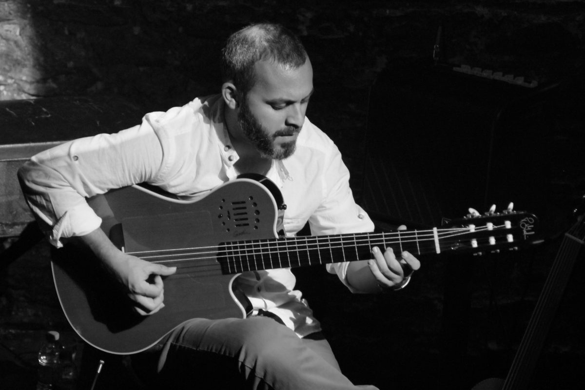 """Jazzdergisi.com'un ilk """"körleme""""sinin konuğu gitarist Cenk Erdoğan"""