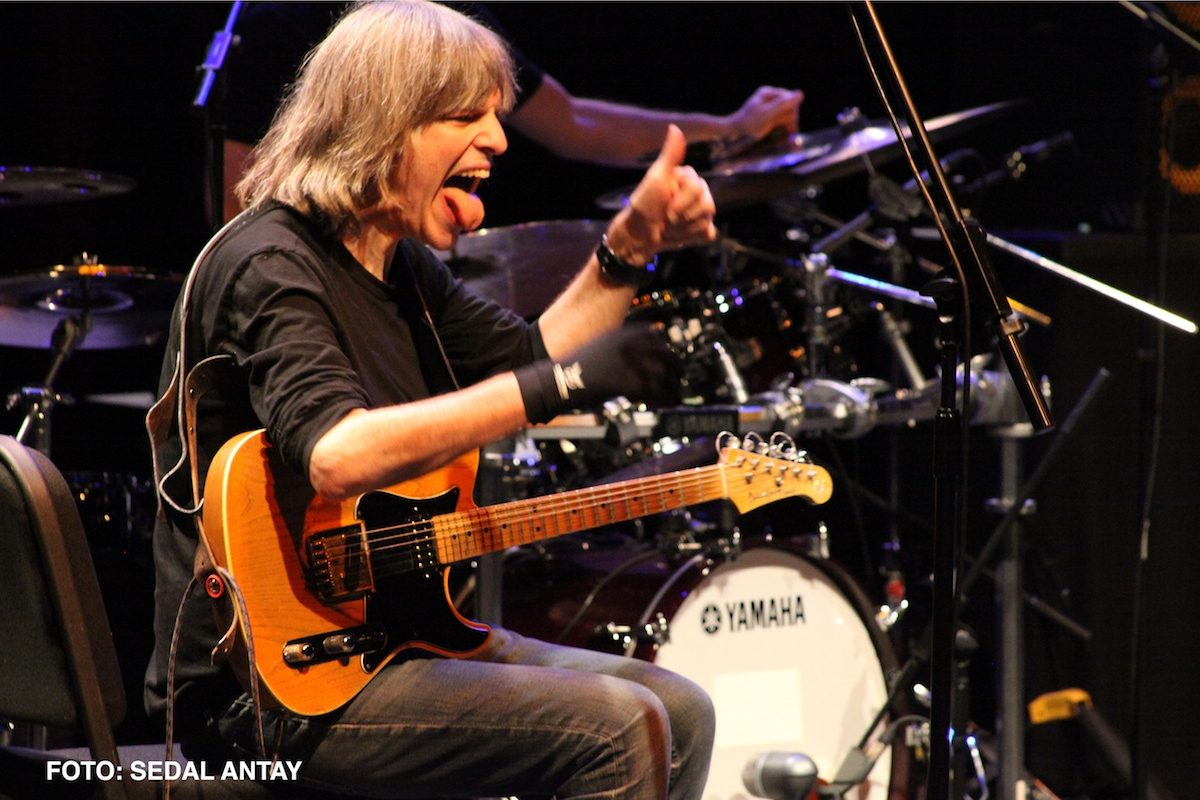 Mike Stern Returned to the Stage in Istanbul!