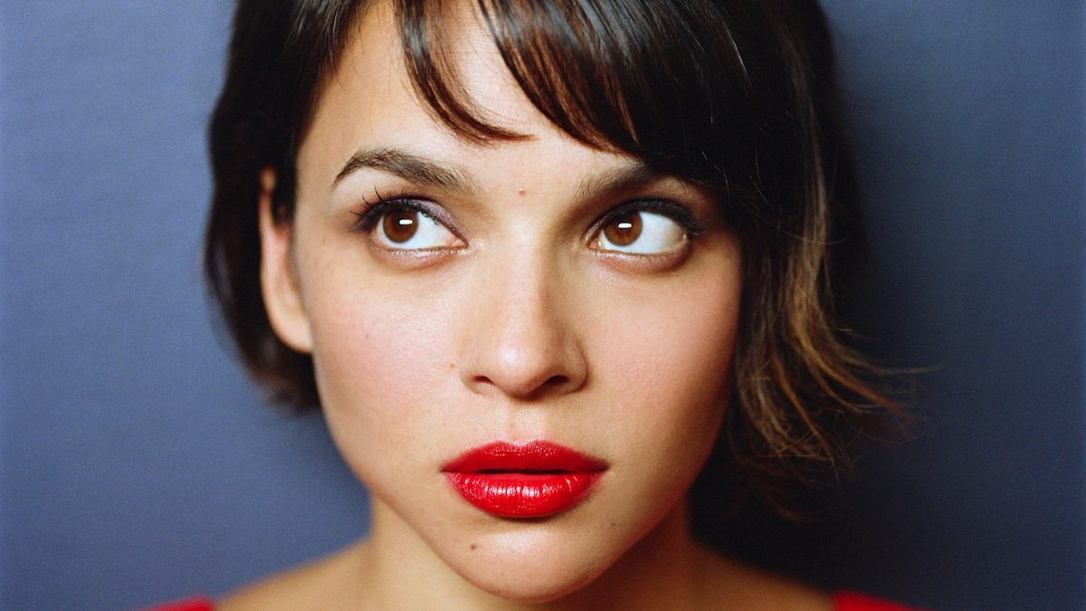 "Norah Jones – ""Day Breaks"""