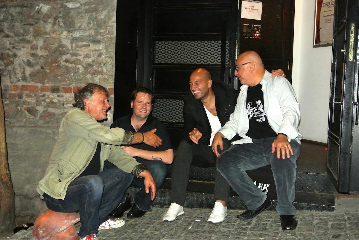 Can Kozlu & Matt Hall & Ferit Odman & Önder Focan (Photo: Zuhal Focan)