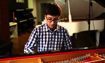 Çok Yönlü Genç Piyanist Umut Ünleyen'le Mutfak ve Sahne Arası