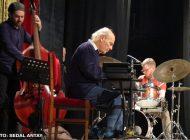 Emin Fındıkoğlu +12 ile Büyük Orkestra Jazz'ı Kadıköy Taşra Kabare'de!