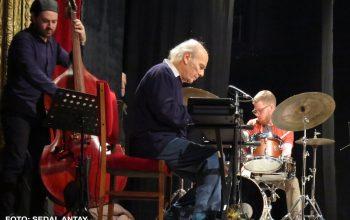 Emin Fındıkoğlu +12 Bring Big Band Jazz to Kadıköy Taşra Kabare!