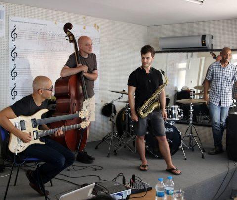 Bergama Sokaklarında Jazz Yankıları...