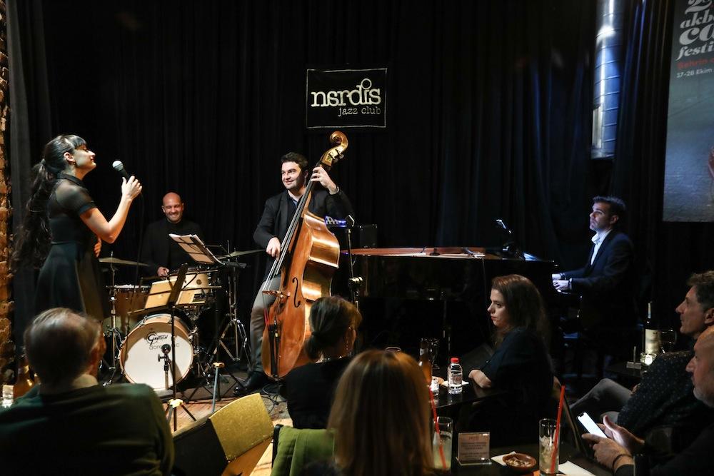 Uraz Kıvaner Feat. Caloé Nardis Jazz Club'taydı