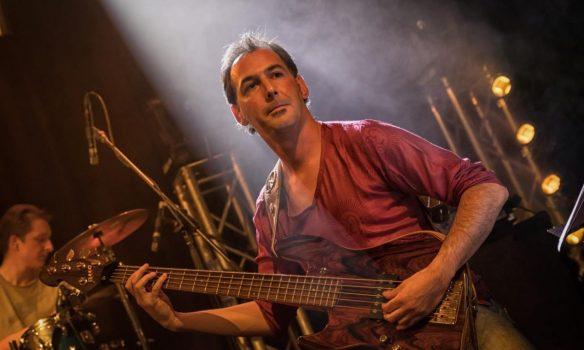 """Türk Müzisyen Uygar Çağlı Jazz Fusion Albümü """"Ting"""" ile Avrupa Sahnesinde!"""
